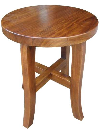 Meja ini sering dipakai untuk setelan meja teras sebab ukurannya yang